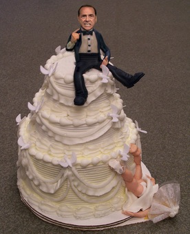 divorce-cake-male-on-top