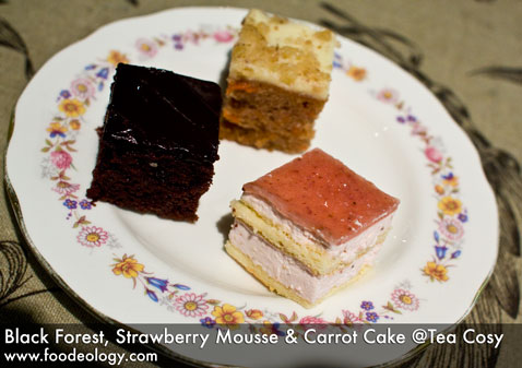 Cakes_Tea-Cosy
