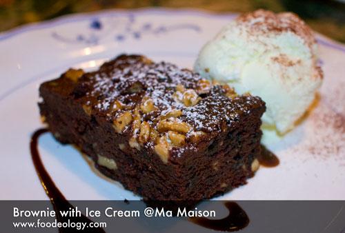 Brownie-with-ice-cream_ma-maison