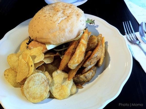 Salmon Burger 2_Macau Macao