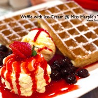 Waffle-with-Icecream
