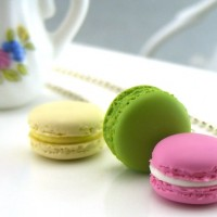Macarons-Necklace-from-shay-aaron-miniatures
