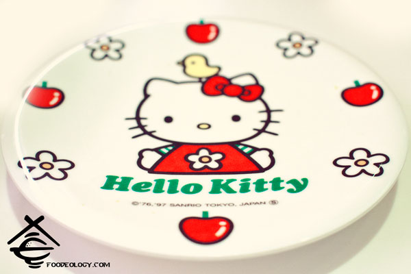 Hello-Kitty-Plate_Genki-Sushi
