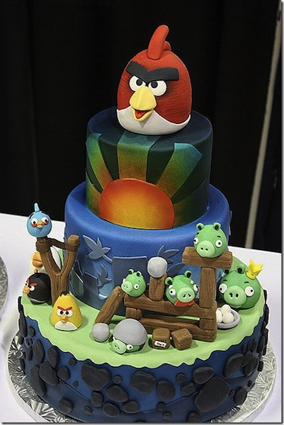 Laura Finlay angry birds cake