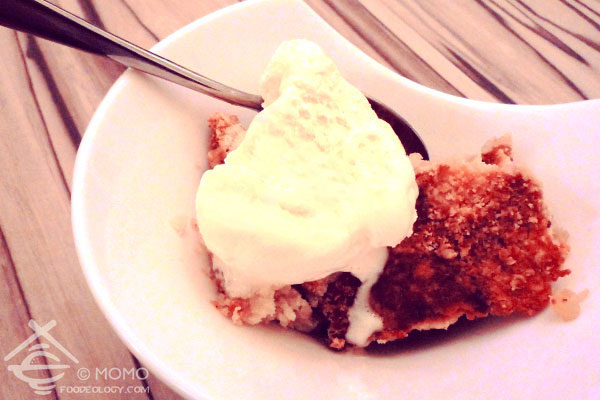 Ice-cream-and-apple-crumble_Talent-Cafe