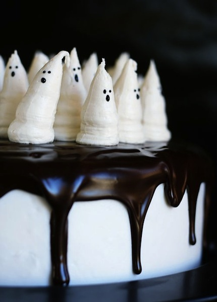 Boo-tiful Halloween Cake From I Am Baker