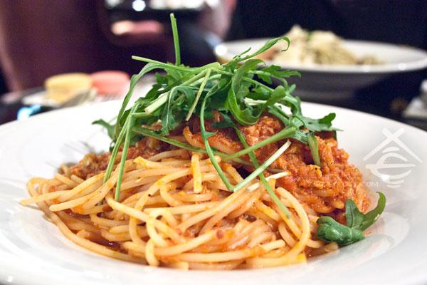 Tomato-&-Crab_Canele