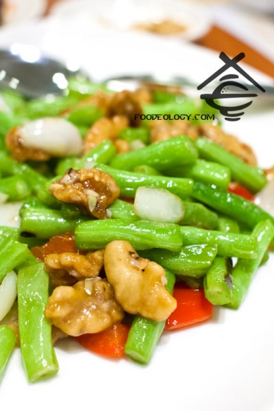 Sauteed-Walnut-w-Assorted-Vege_Crystal jade kitchen