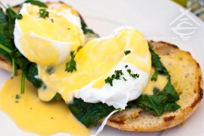 Eggs-Florentine_Toast-Bistro