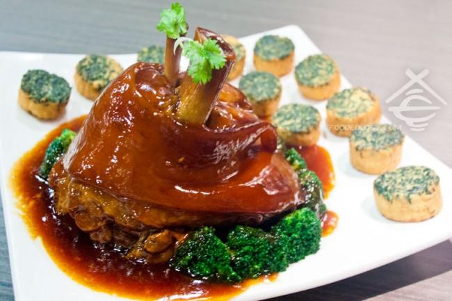 Braised-Pork-Knuckle_Crystal-Jade-Jiang-Nan