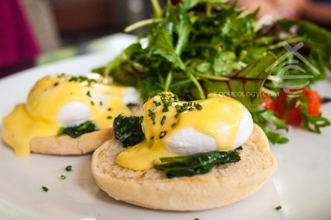 Eggs-Florentine_PS-Cafe