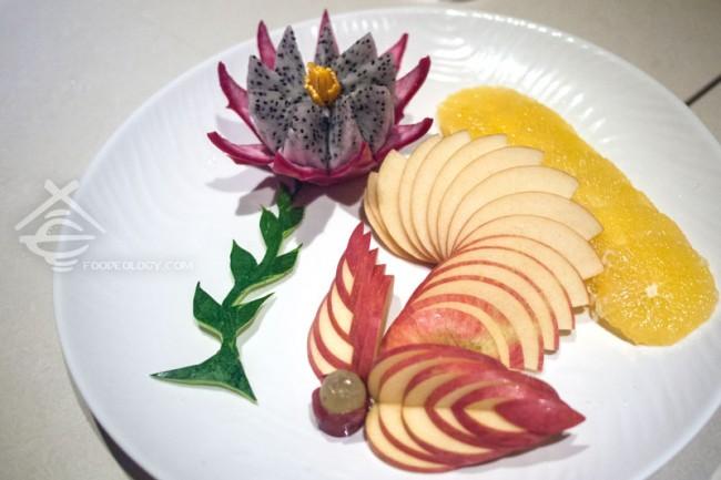 Hai-Di-Lao-Hot-Pot_Fruit-Platter