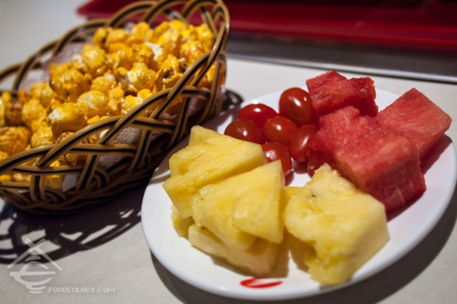 Hai-Di-Lao-Hot-Pot_Snacks-and-Fruits