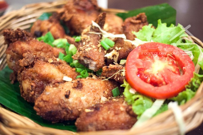 Fried-Chicken_Som-Tam-Nua