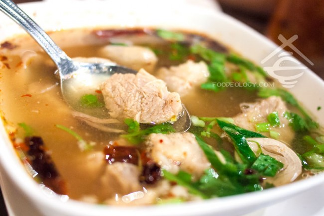 North-East-Style-Spicy-Soup-with-Pork-Bone_Som-Tam-Nua