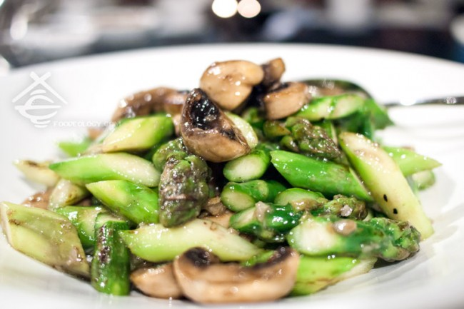 Sauteed-Wild-Mushrooms-Asparagus-Minced-Garlic_Majestic-Bay-Seafood