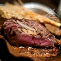 Beef-Tenderloin-on-Pu-Ye-and-Granite-Hot-Stone_Dozo