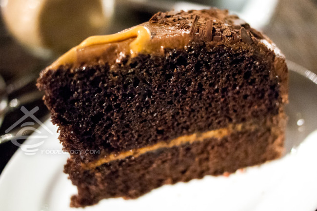 Sea-Salt-Peanut-Butter-Chocolate-Cake_Frootkeyk_PasarBella