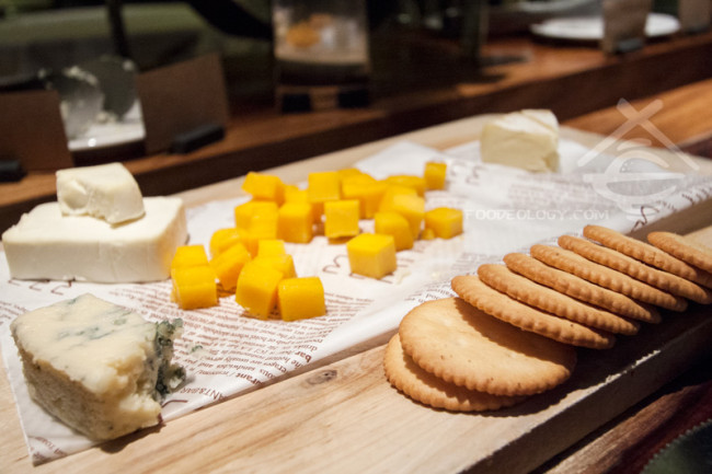 Breakfast-Cheese_HOTEL-QUOTE-Taipei