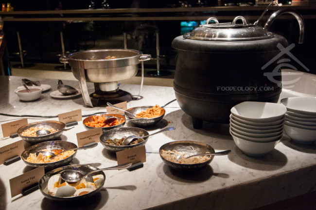 Breakfast-Congee_HOTEL-QUOTE-Taipei