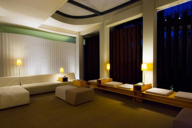 Lounge-Night_The-Bale