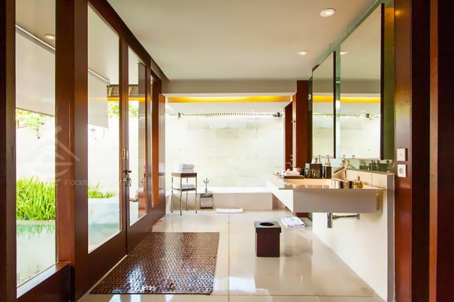 Single-Pavilion-Bathroom_The-Bale