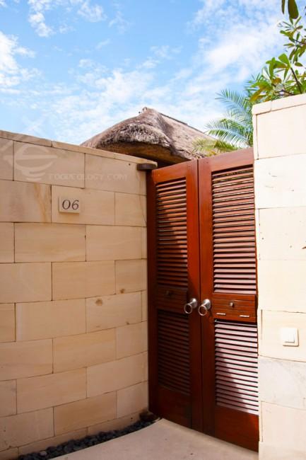 Single-Pavilion-Door_The-Bale