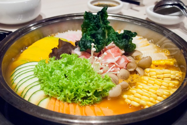 Korean-Imperial-Hotpot-with-Assorted-Vegetable_Crystal-Jade-Korean-Ginseng-Chicken-and-BBQ