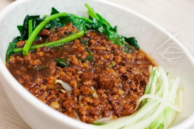 Zha-Jiang-Mian_Jing-Hua-Restaurant