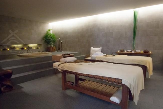 LUXSA-Spa-Room_Hansar-Samui