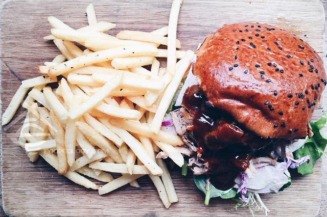 Pulled-Pork-Burger_Tobys-Estate
