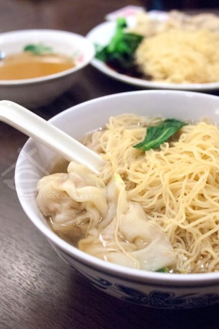 Wonton-Noodles-in-Soup_Legendary-Hong-Kong