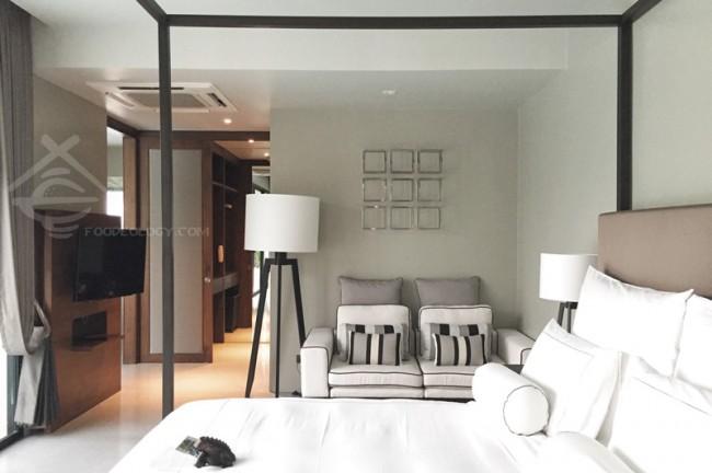 Bed_Aleenta-Phuket