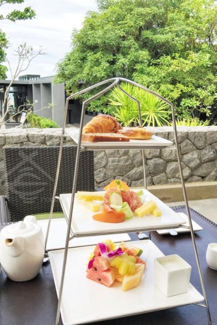 Breakfast-Tiers_Aleenta-Phuket