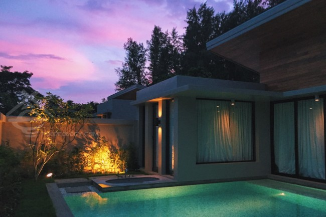 Grand-Deluxe-Pool-Villa Evening_Aleenta-Phuket