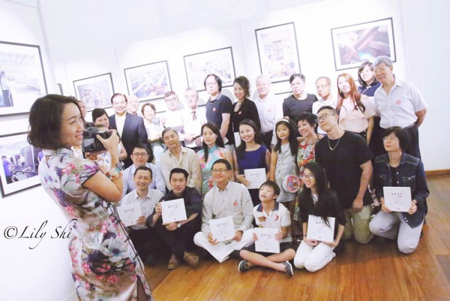 Group-Photo-at-My-Love-and-Dreams-for-Singapore-Exhibition